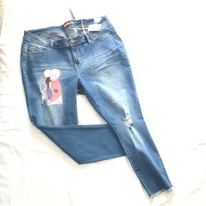 YMI Distressed Ankle Length Jeans Sz 20